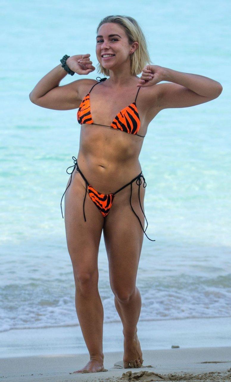 Gabby Allen Sexy (46 Photos)