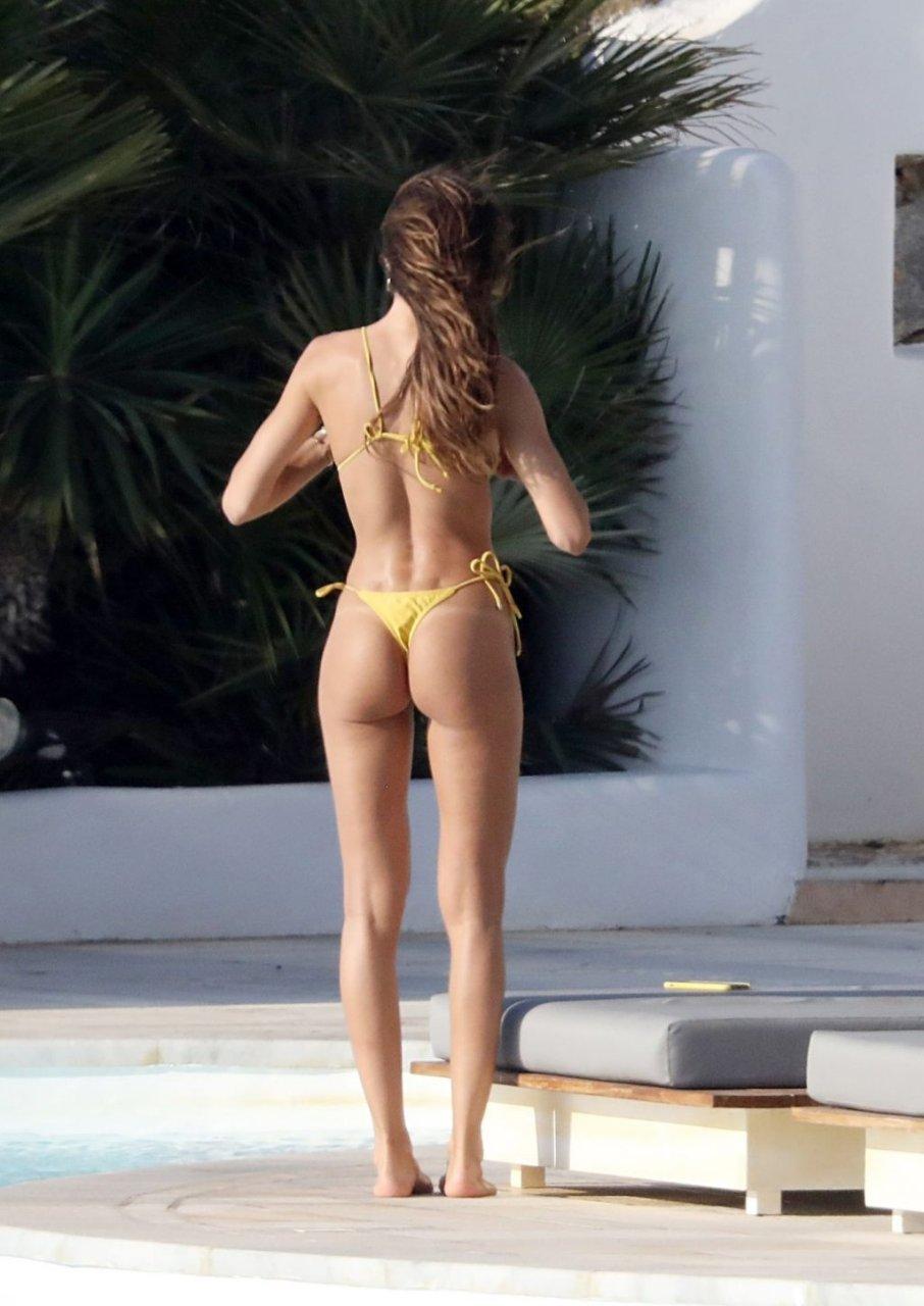 Izabel Goulart Sexy (97 Photos)