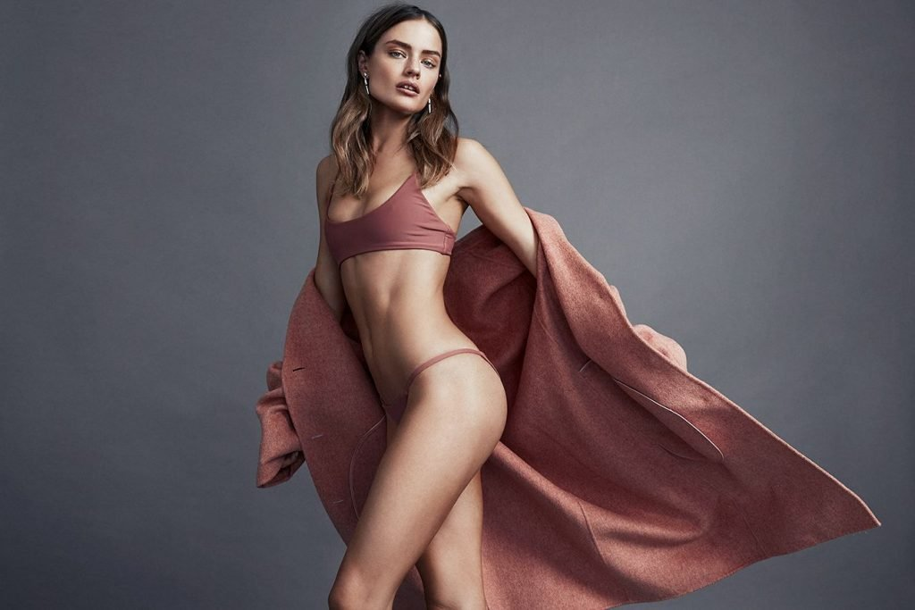 Jessica Lee Buchanan Nude & Sexy (4 Photos)