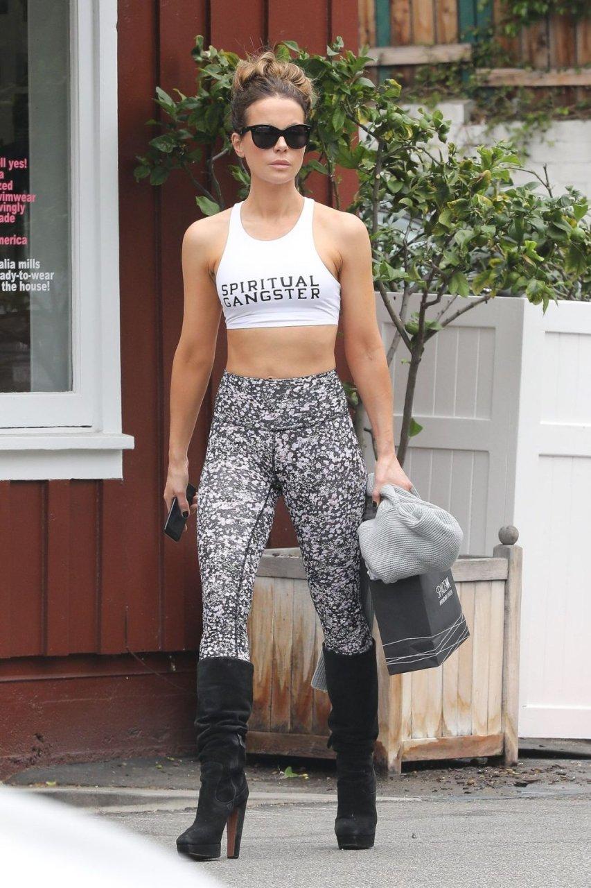 Kate Beckinsale Sexy (22 Photos)