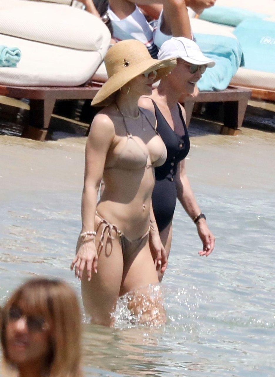 Katharine McPhee Sexy (51 Photos)