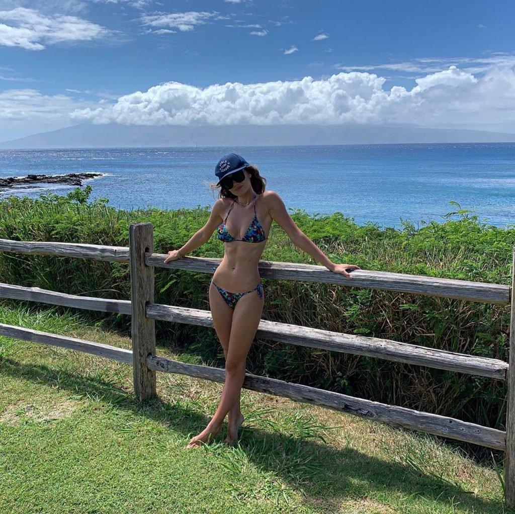 Keleigh Sperry Sexy (15 Photos)