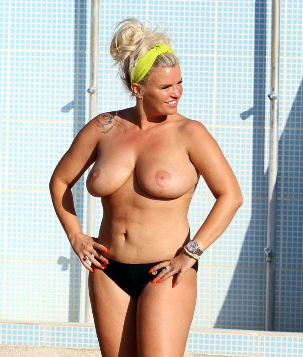 Kerry katona taking her pics for adult site onlyfans
