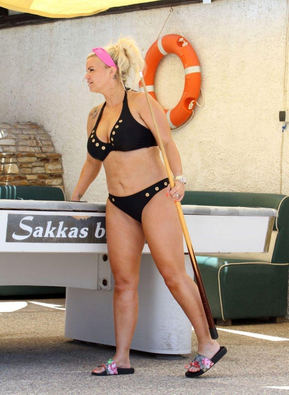 Kerry Katona Hot (35 New Photos)