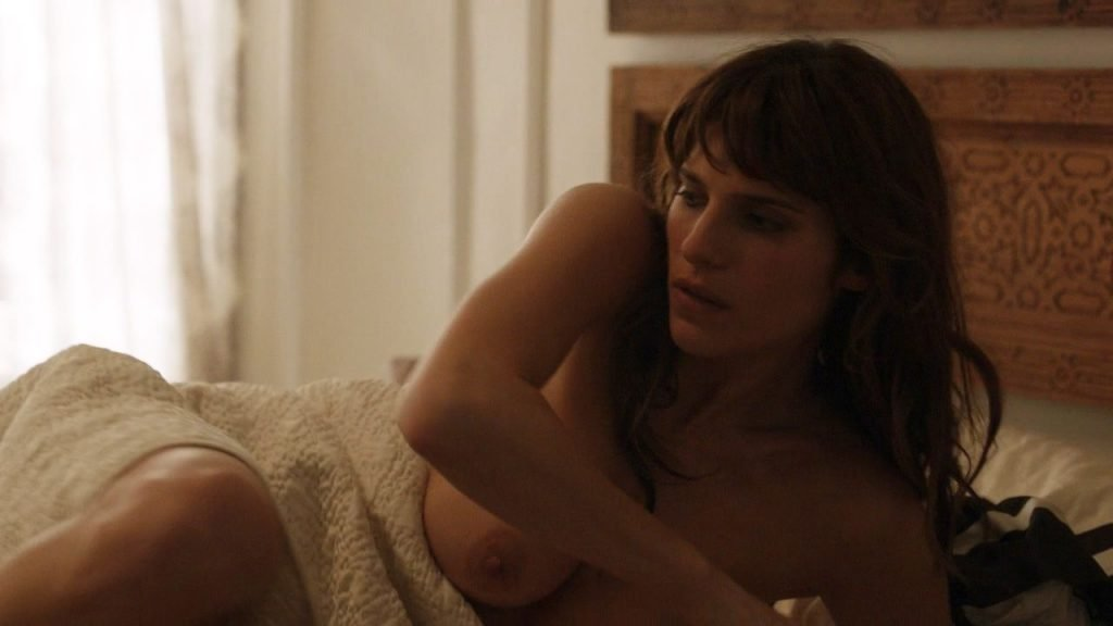 Lake Bell Nude – How to Make It in America (7 Pics + GIF & Video)
