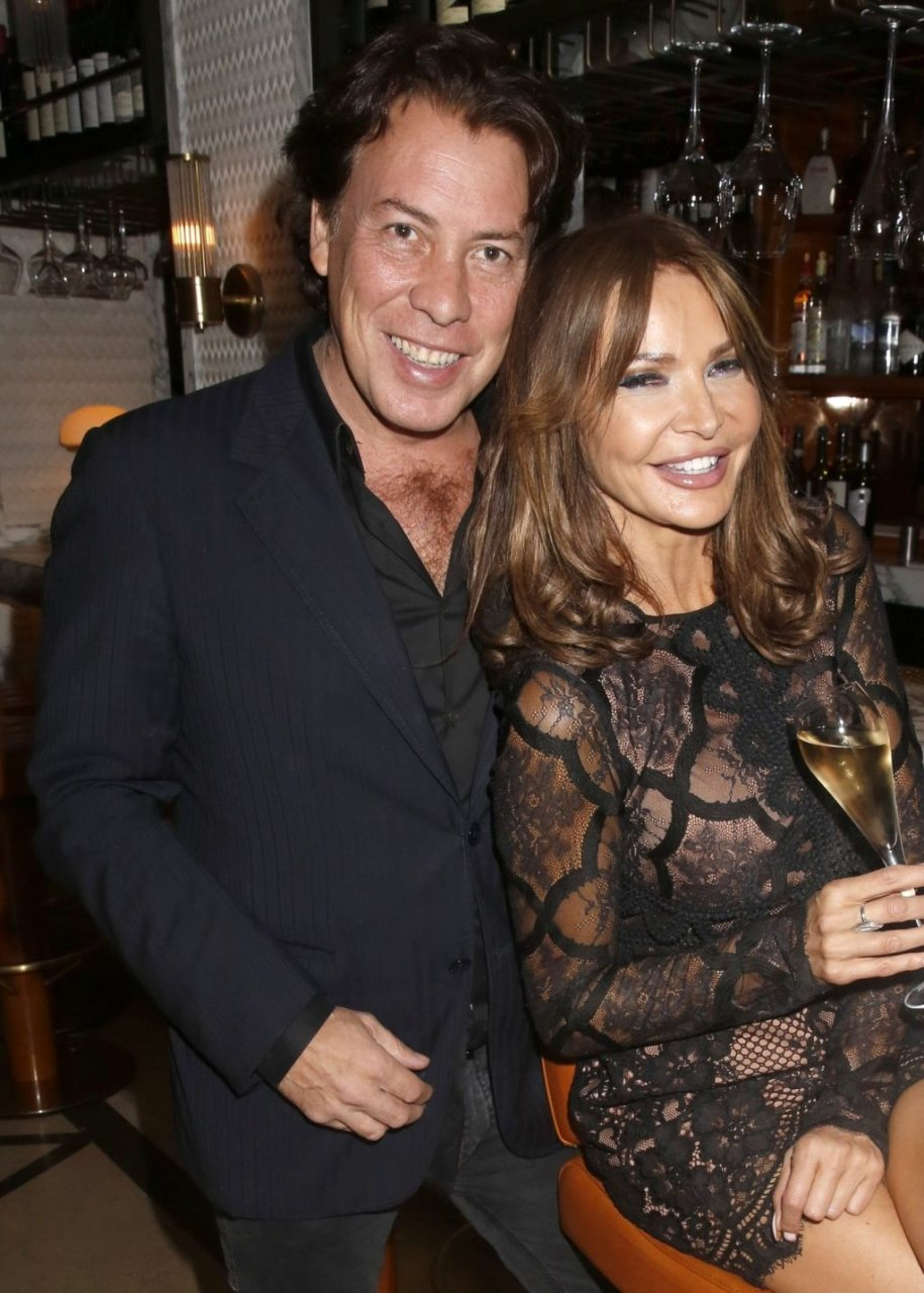 Lizzie Cundy Sexy (32 Photos)
