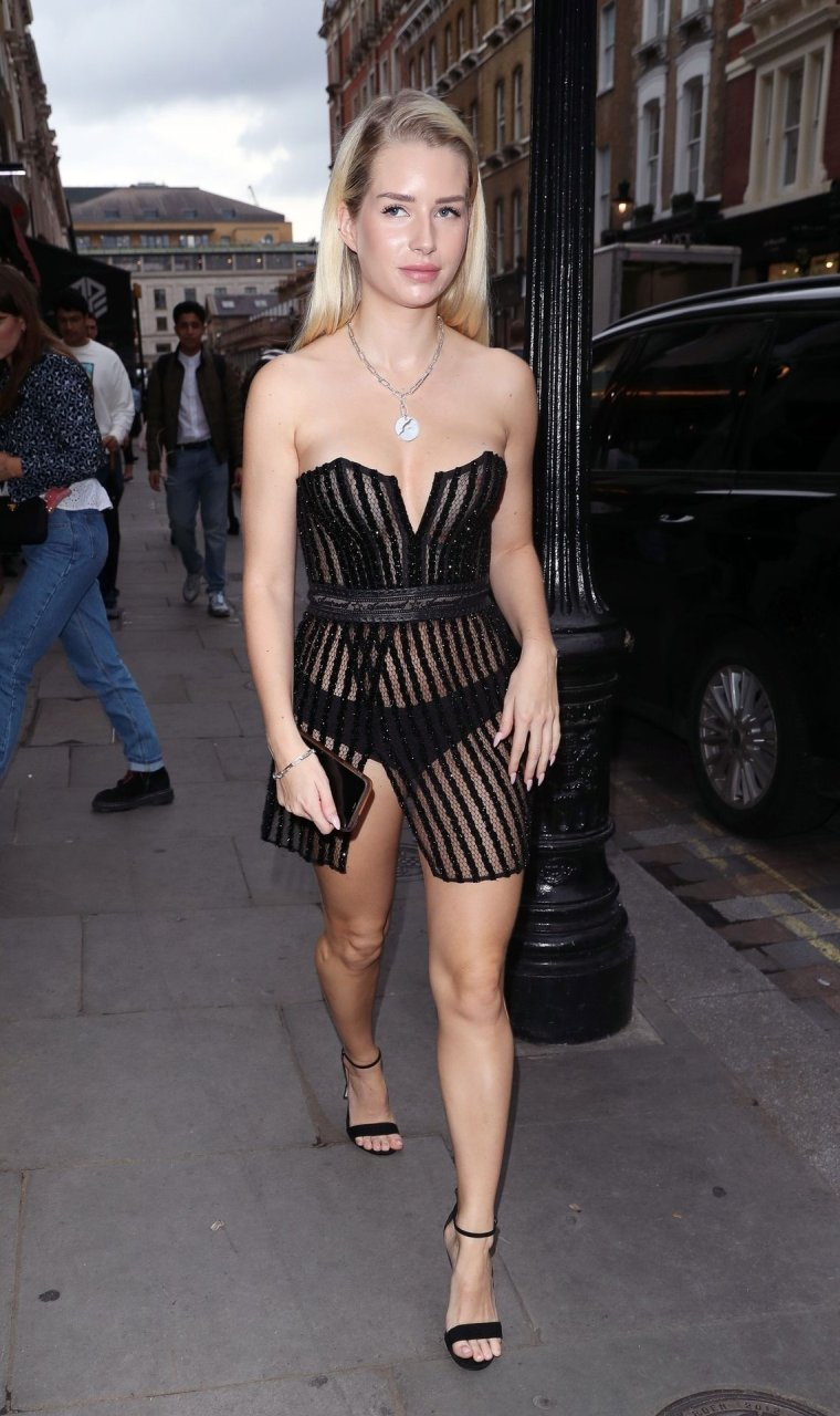 Lottie Moss Sexy (24 Photos + Video) | #TheFappening
