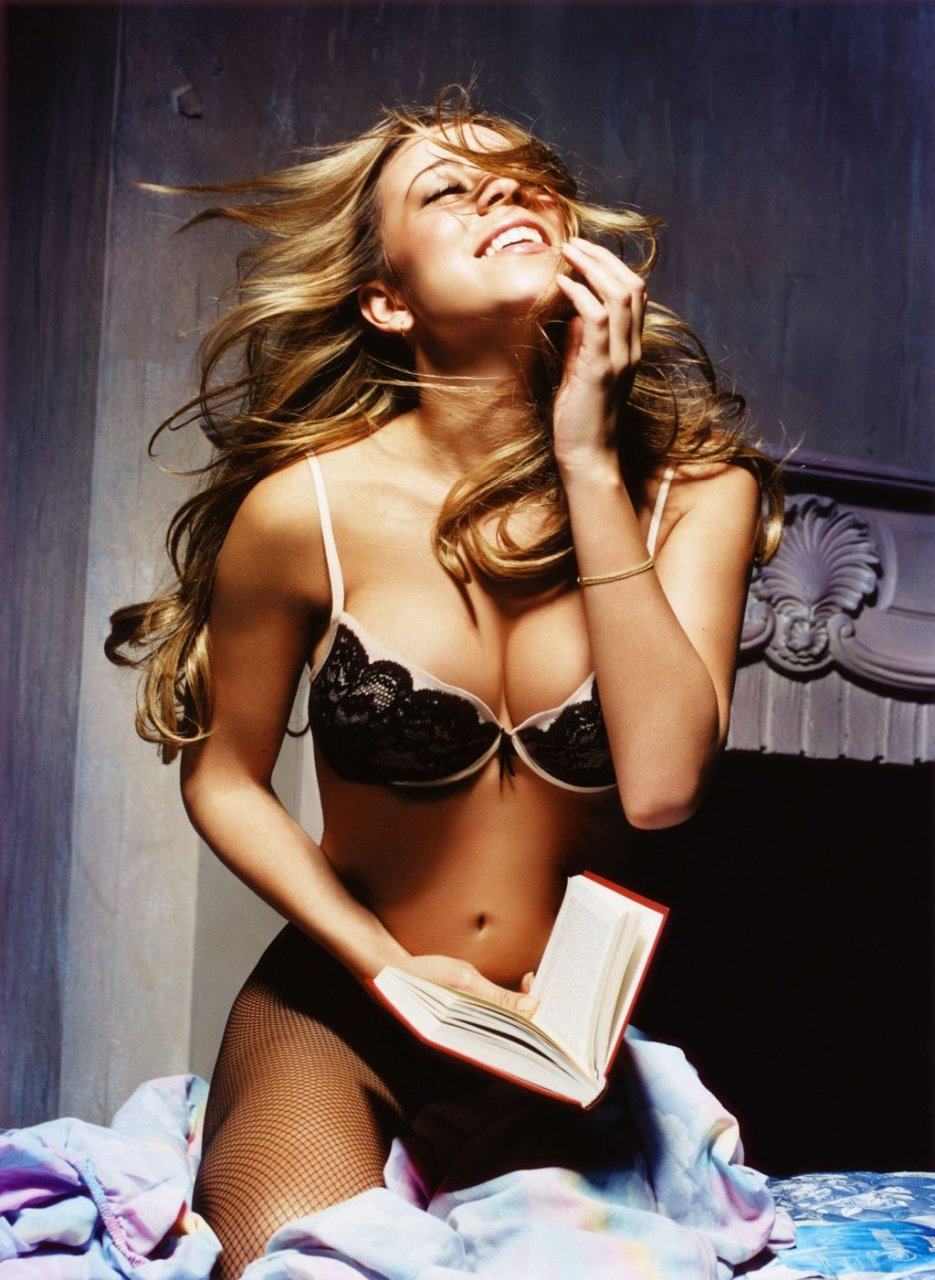 Mariah Carey Sexy (2 Photos)