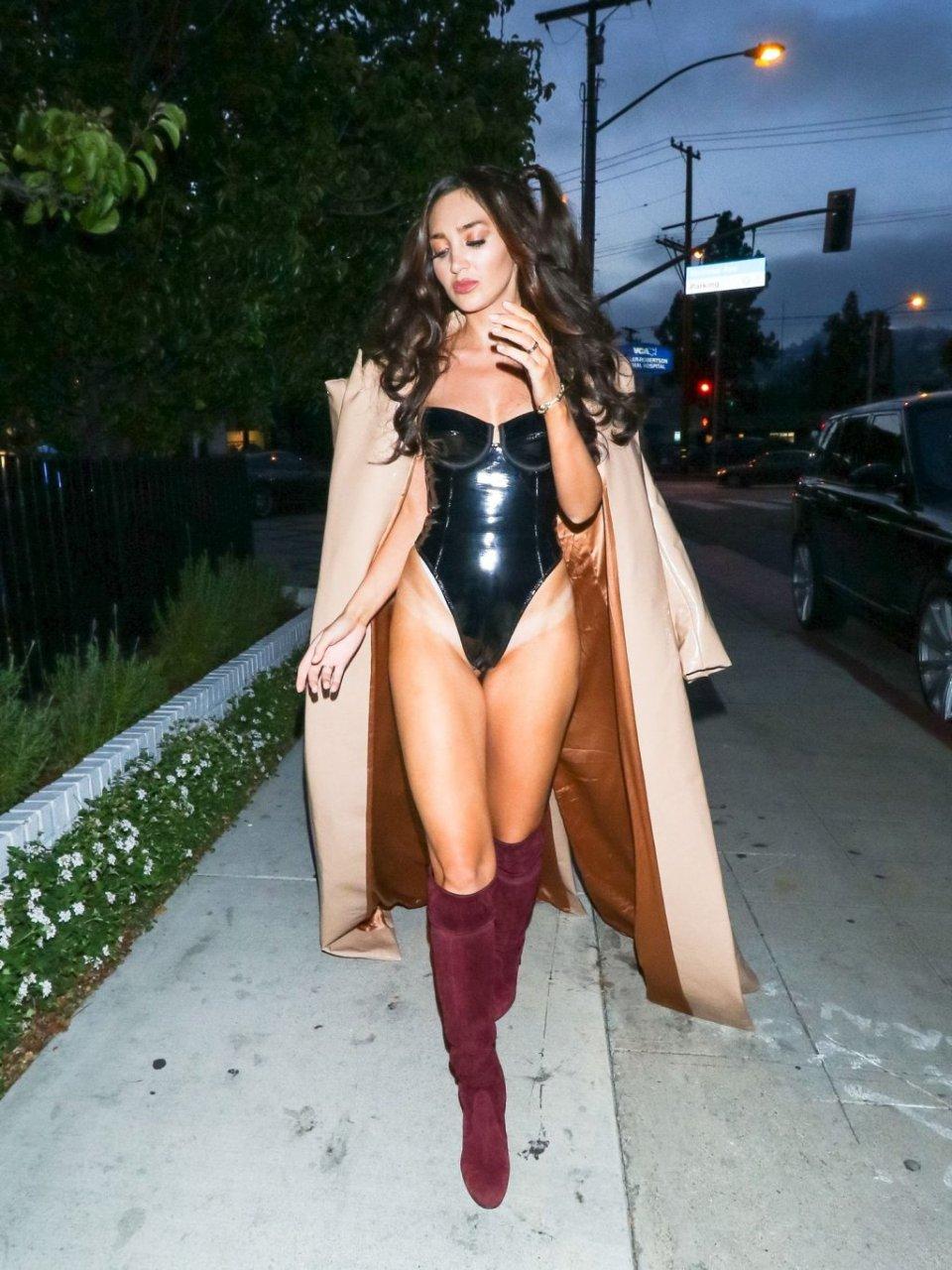 Megan Pormer Sexy (12 Photos)