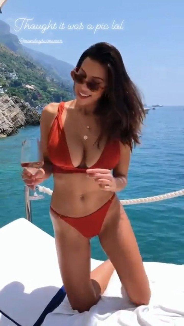 Natasha Oakley, Devin Brugman Sexy (54 Photos + Video)