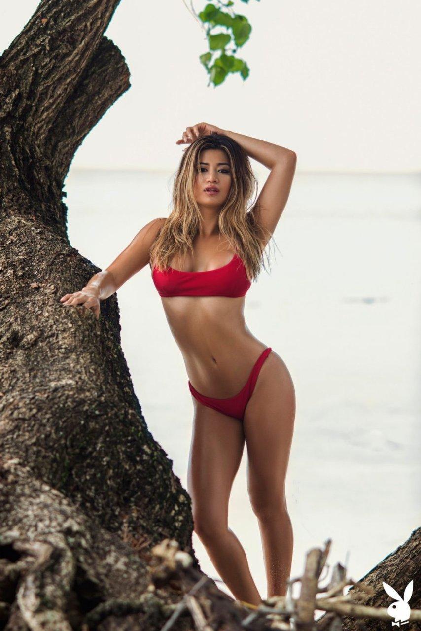 Nikki Trinidad Nude & Sexy (22 Photos)