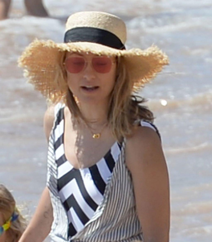 Olivia Wilde Sexy (15 New Photos)