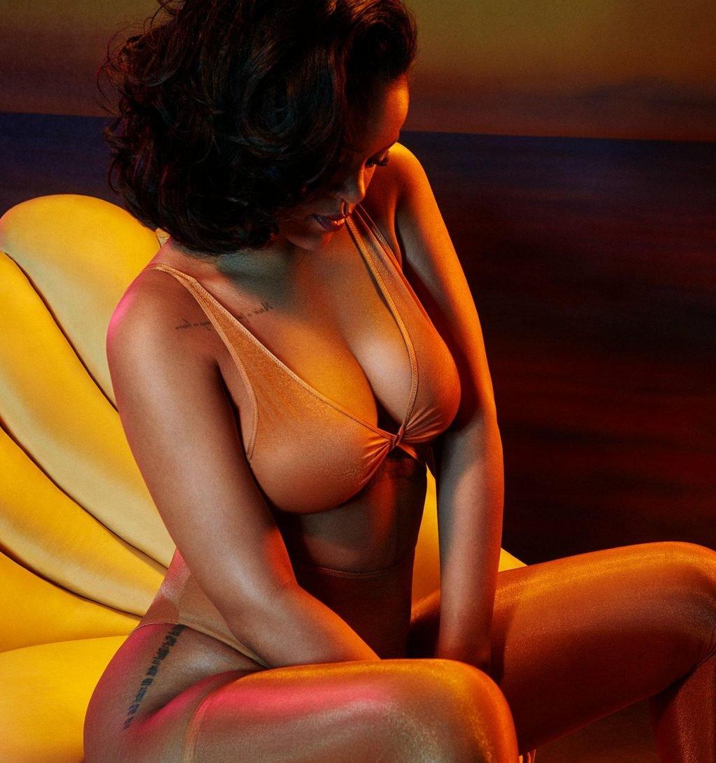 Rihanna Sexy (3 New Photos)