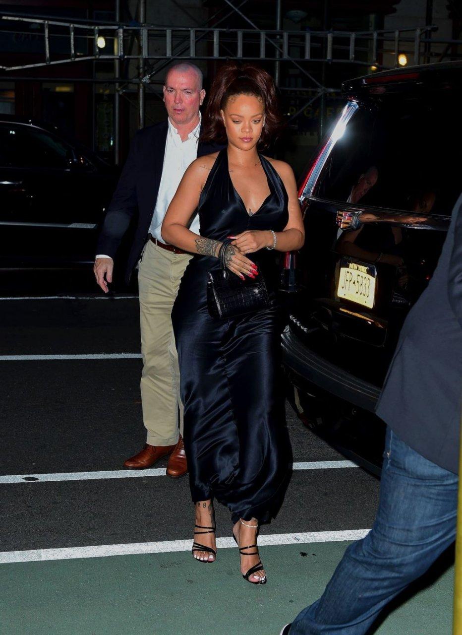 Rihanna Sexy (30 New Photos)