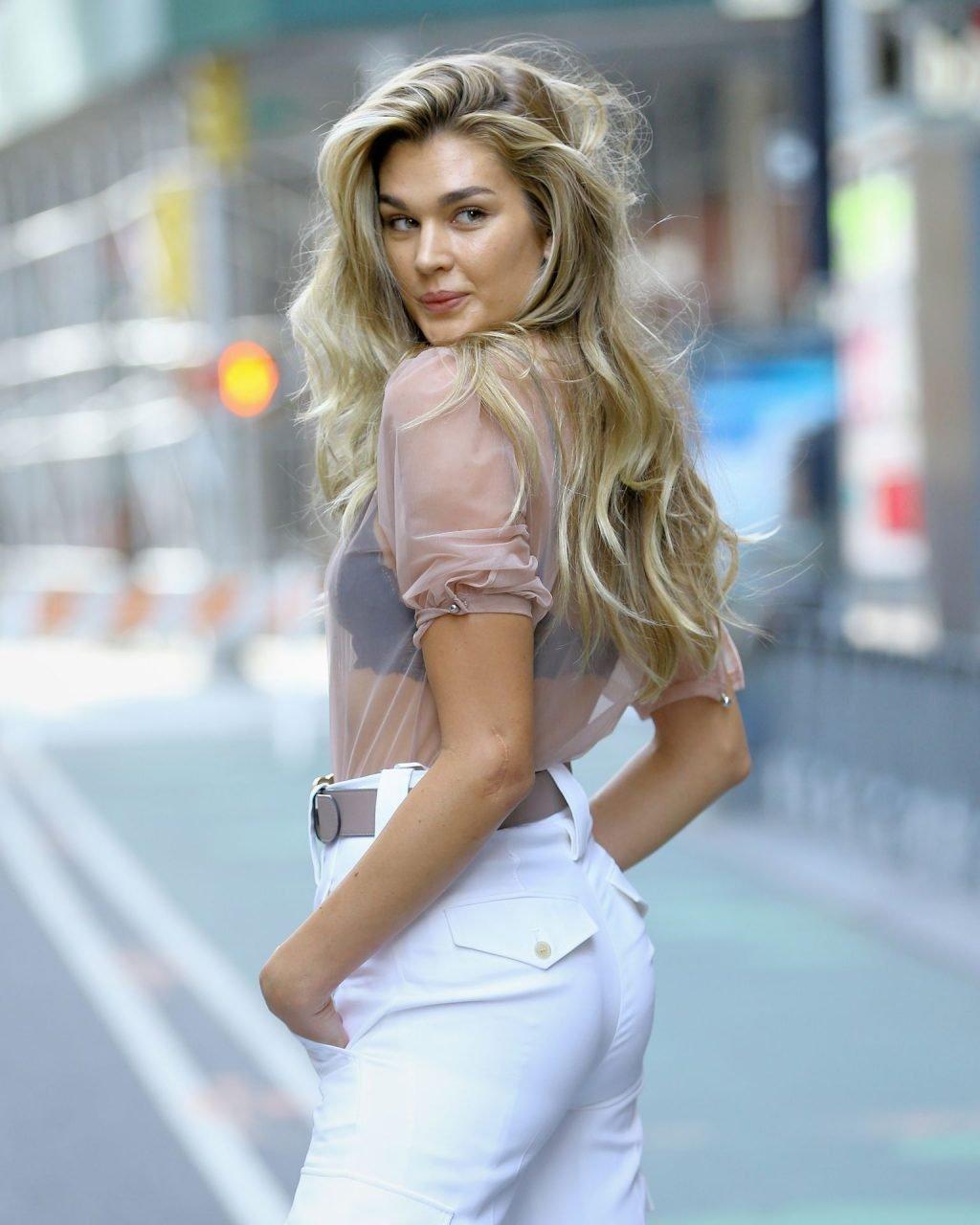 Shayna Terese Taylor Sexy (11 Photos)
