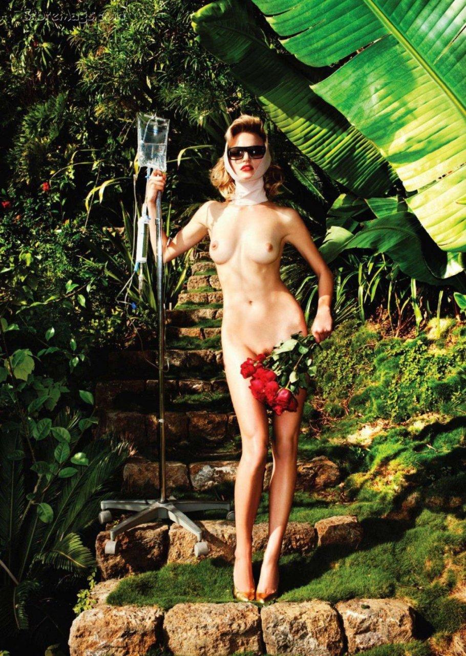 Stephanie Loba, Amanda Booth, Sydney Roper Nude (13 Photos)