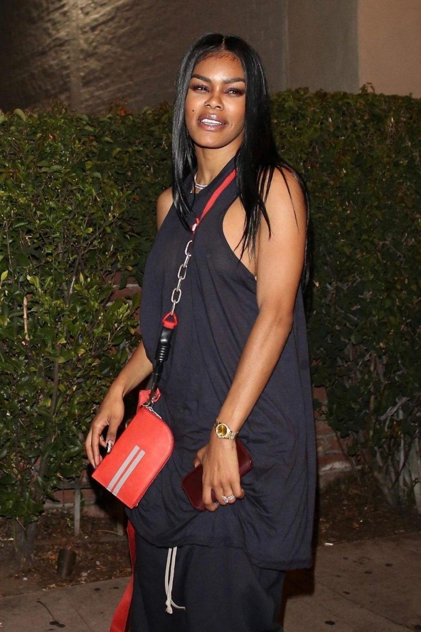 Teyana Taylor See Through (34 Photos)