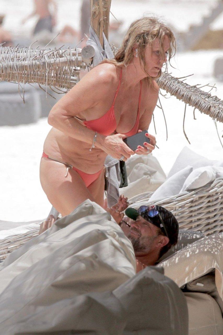 Ulla Sandrock Hot (17 Photos)