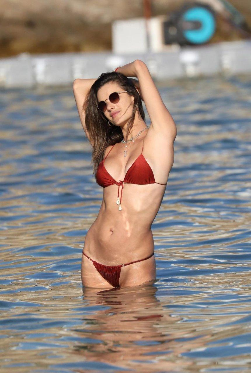 Alessandra Ambrosio Sexy (117 Photos)