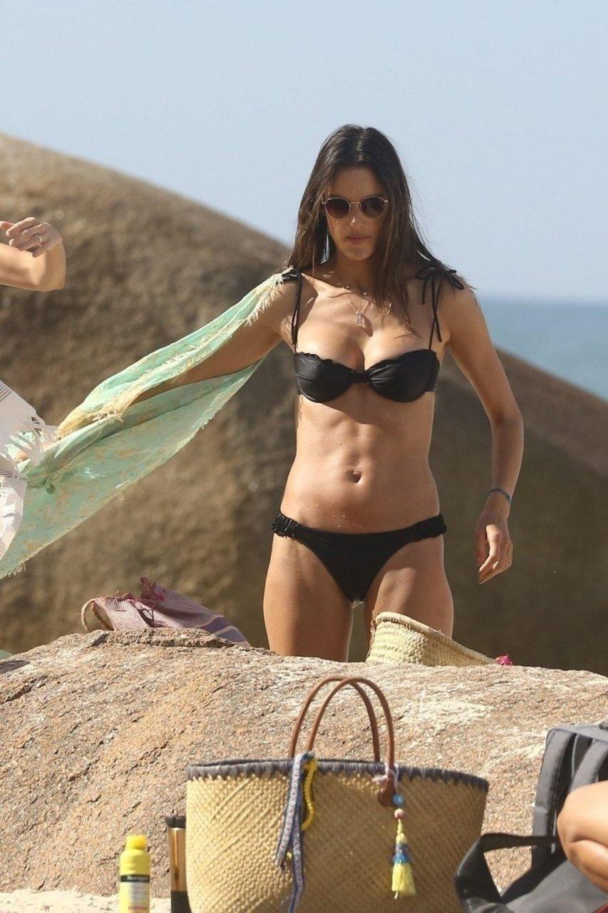 Alessandra Ambrosio Sexy (67 New Photos)