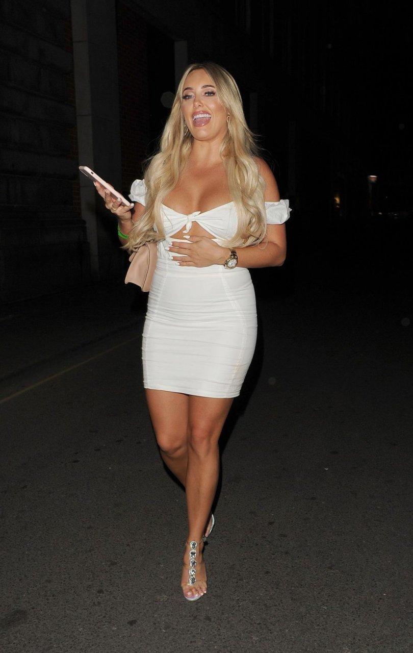 Amber Turner Sexy (27 Photos)