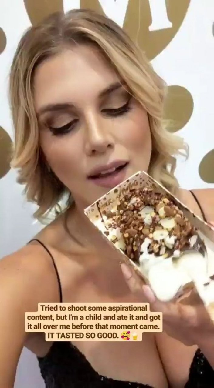 Ashley James Sexy (20 Hot Photos)