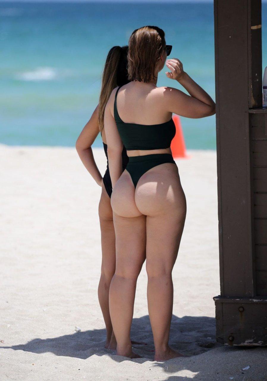Bianca Elouise Sexy (27 Photos)