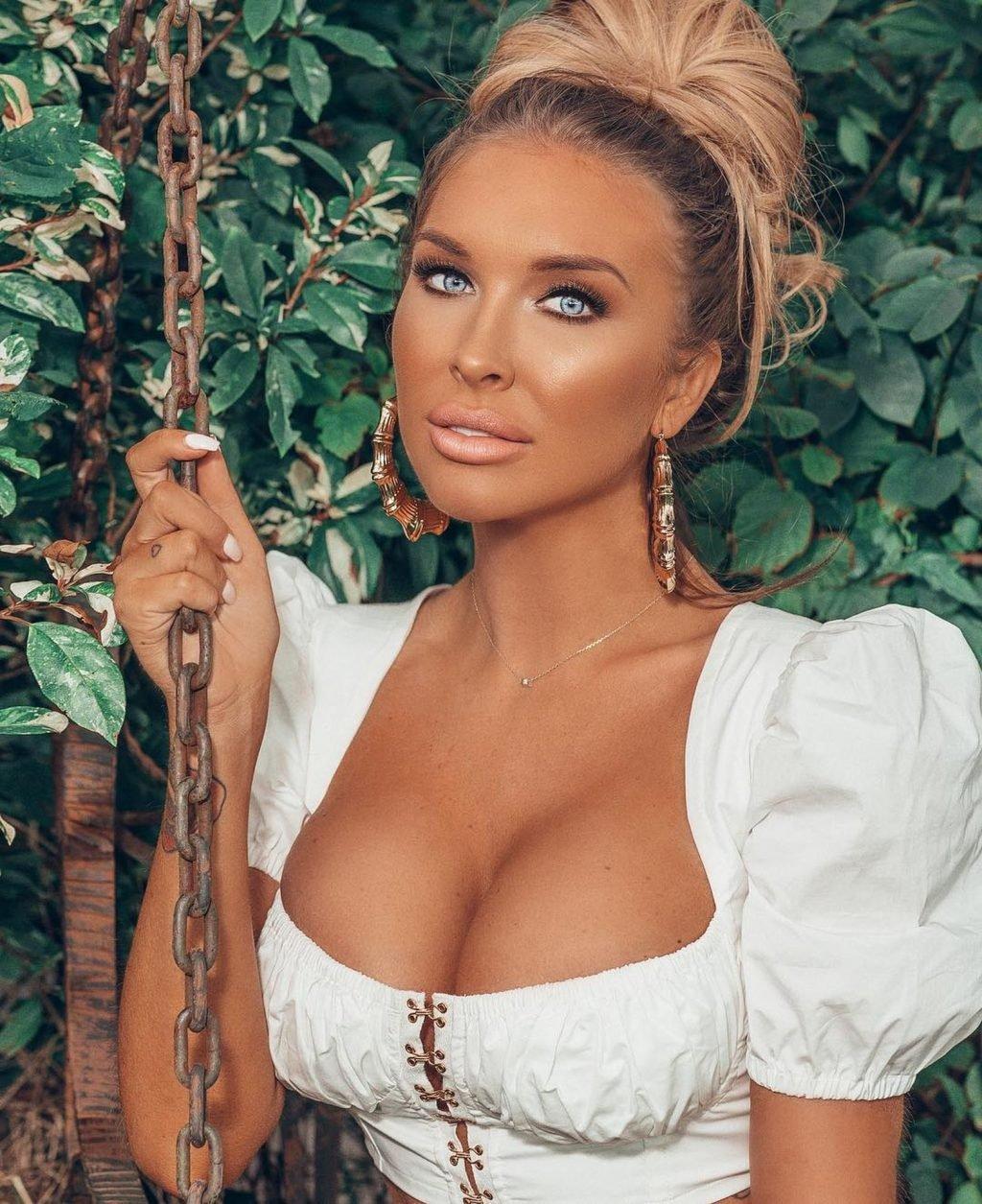 Brooke Lynette Nude & Sexy (106 Photos)