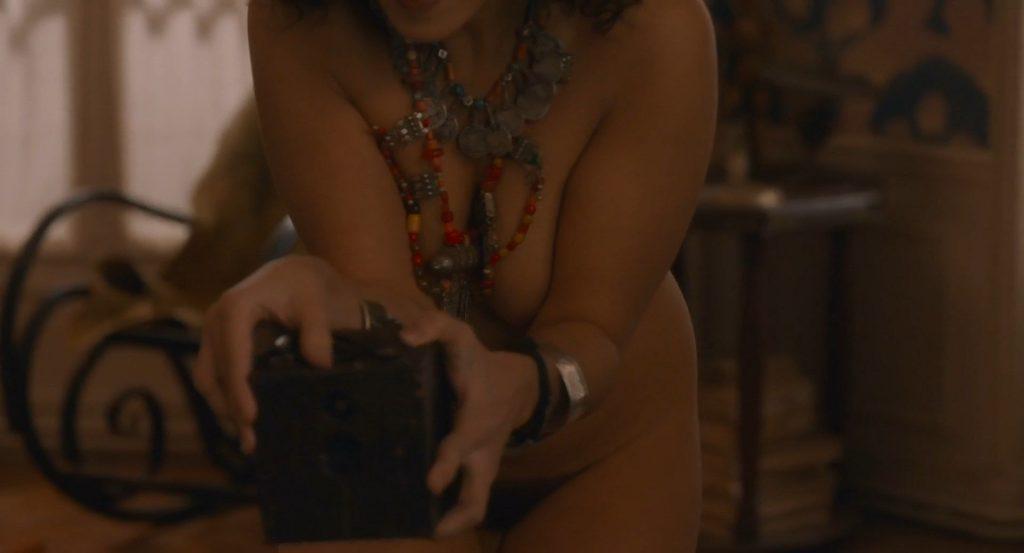 Camélia Jordana Nude – Curiosa (9 Pics + GIF & Video)