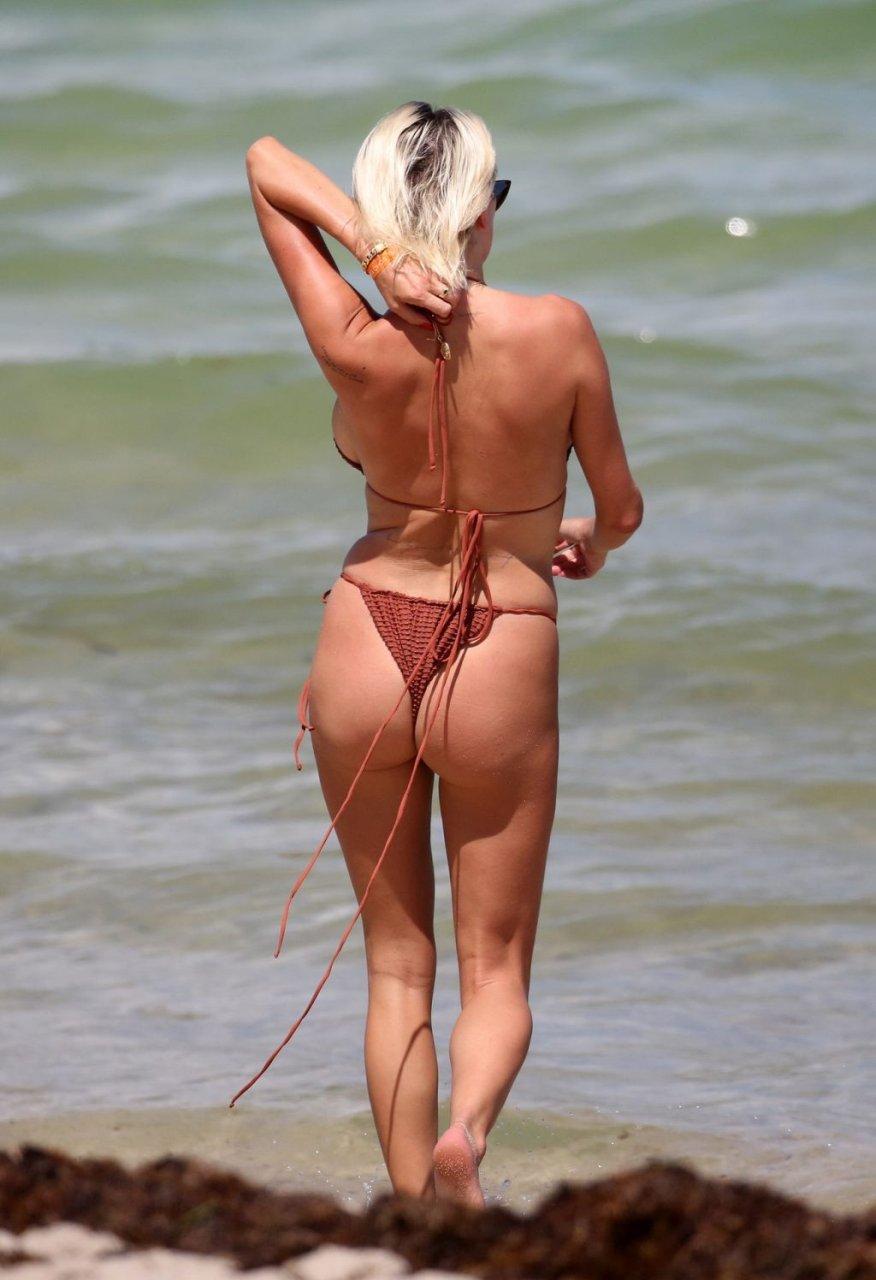 Caroline-Vreeland-Sexy-TheFappeningBlog.com-16-1024x1496.jpg