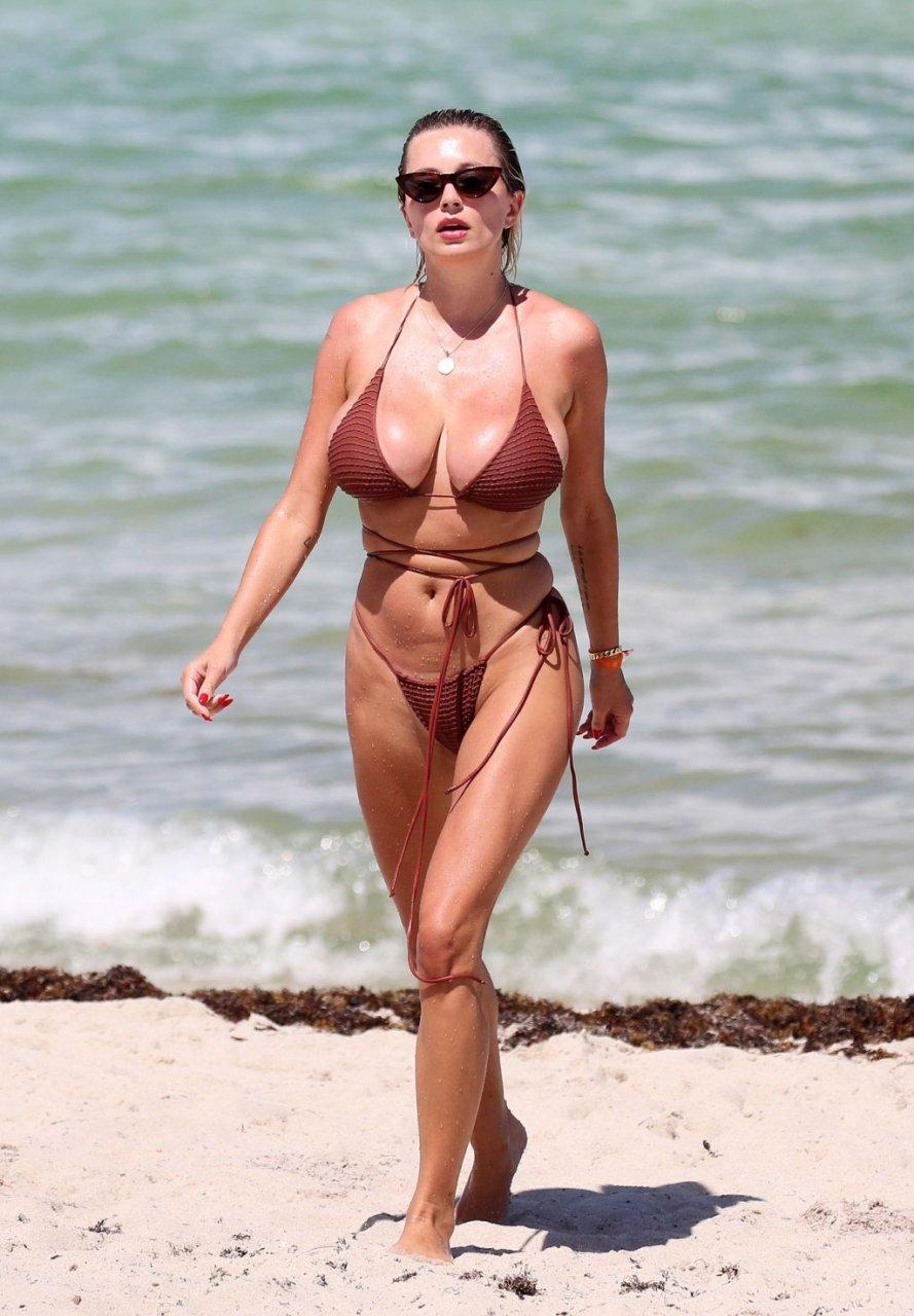 Caroline-Vreeland-Sexy-TheFappeningBlog.com-17-1024x1475.jpg
