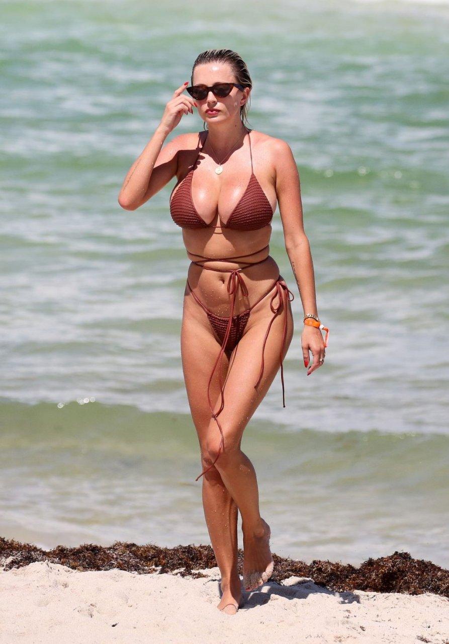 Caroline-Vreeland-Sexy-TheFappeningBlog.com-27-1024x1467.jpg