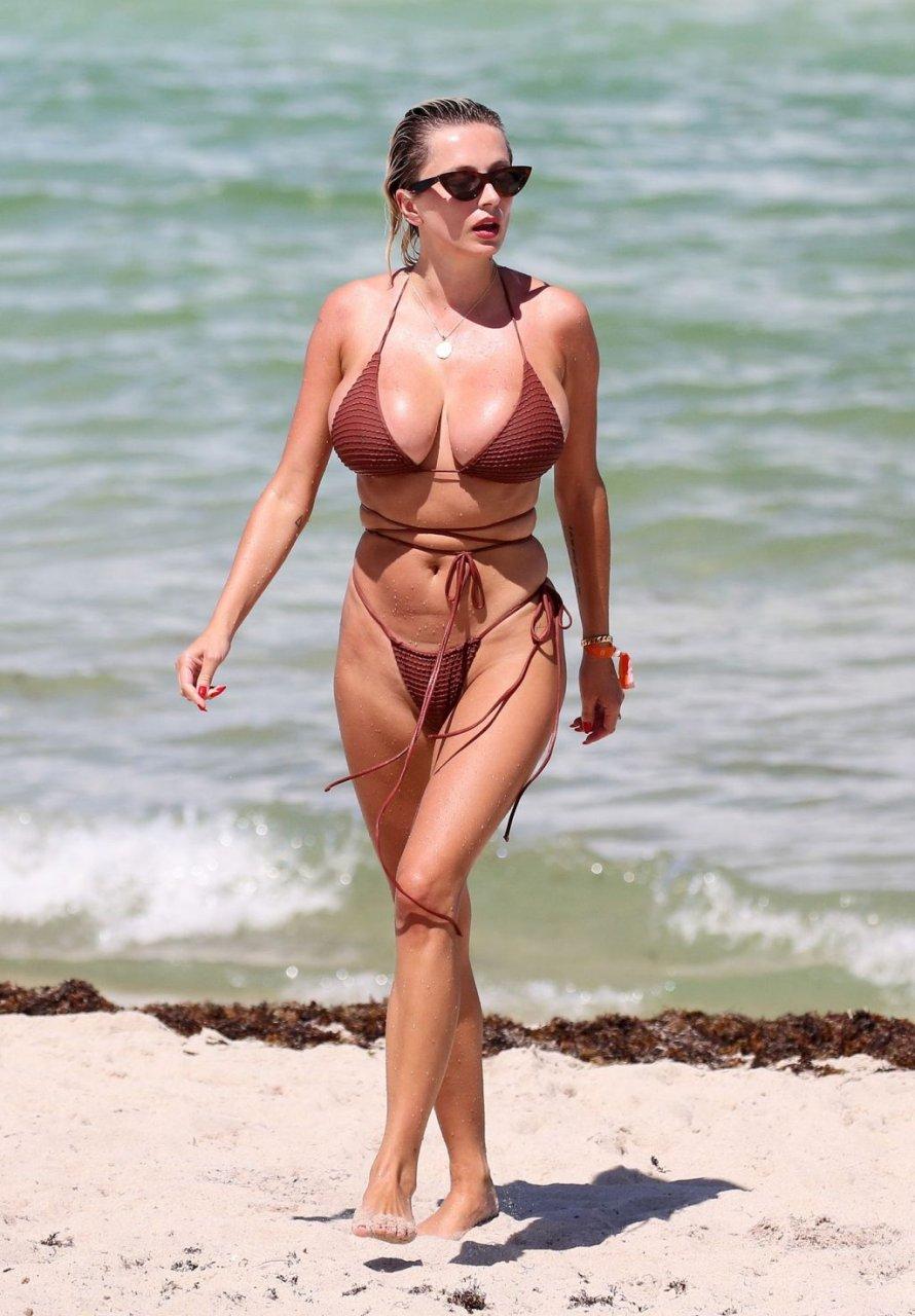 Caroline-Vreeland-Sexy-TheFappeningBlog.com-3-1-1024x1472.jpg