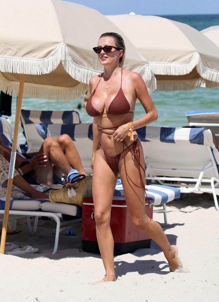 Caroline Vreeland Sexy (43 Photos)