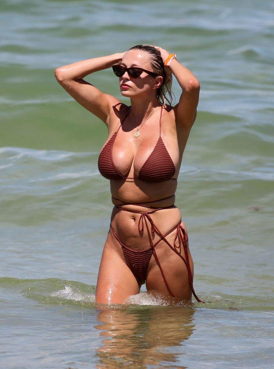 Caroline-Vreeland-Sexy-TheFappeningBlog.com-5-1-1024x1380.jpg