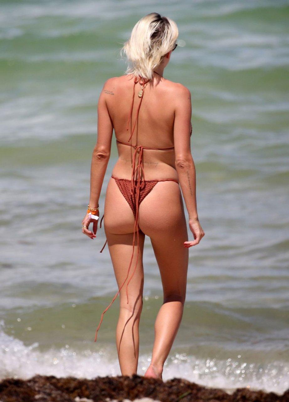 Caroline-Vreeland-Sexy-TheFappeningBlog.com-6-1-1024x1421.jpg