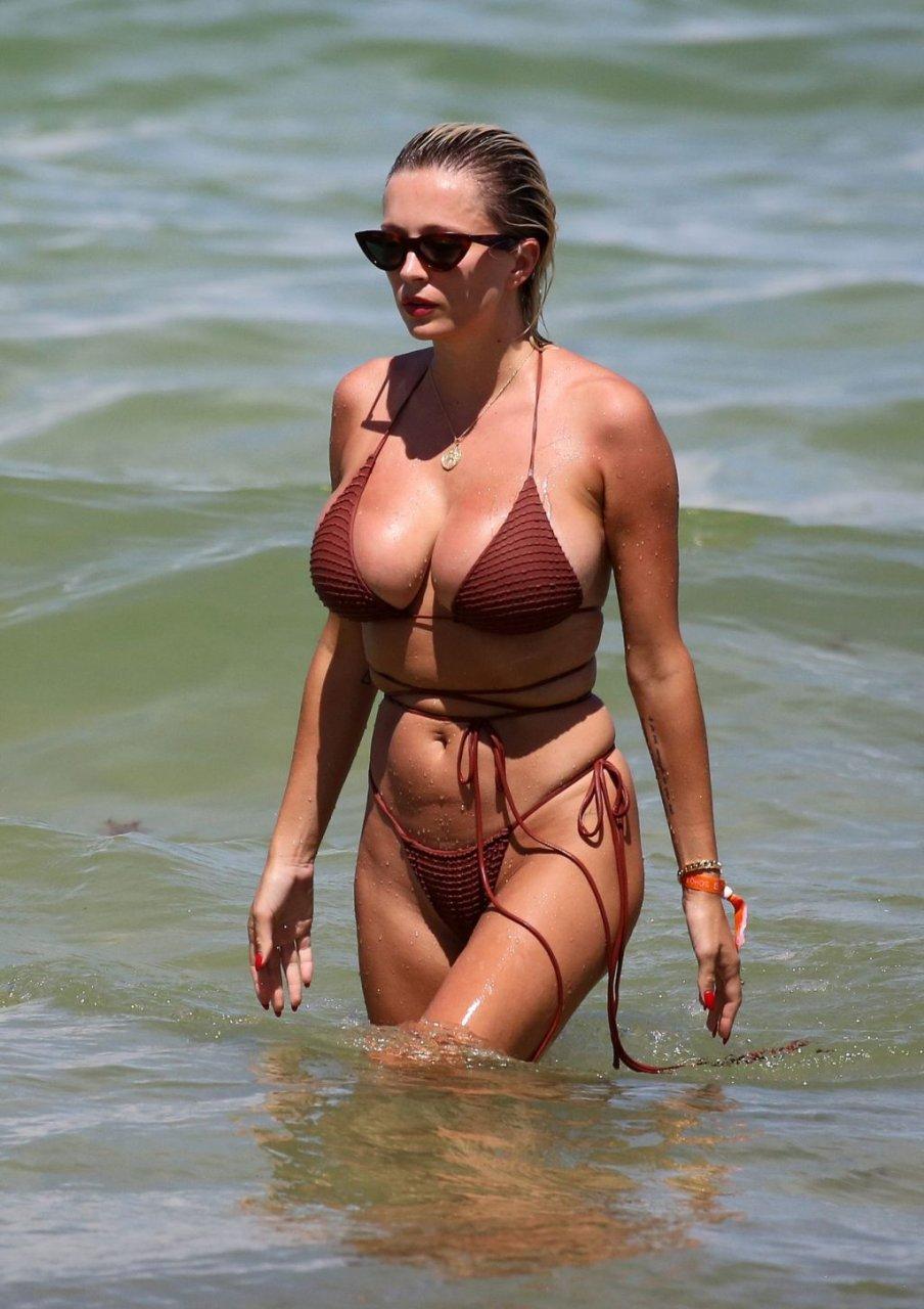 Caroline-Vreeland-Sexy-TheFappeningBlog.com-7-1-1024x1450.jpg