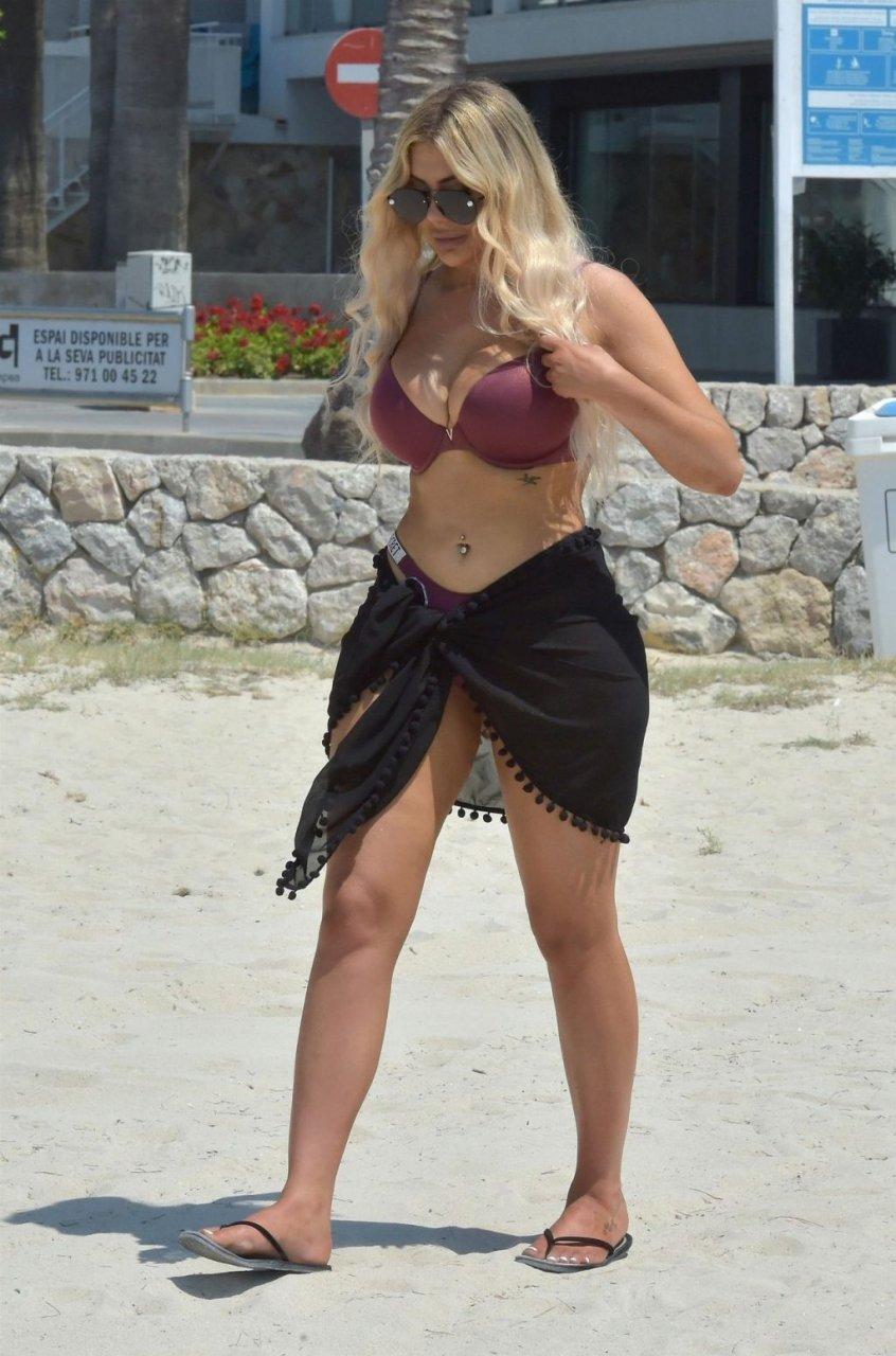 Chloe Ferry Sexy (31 Photos)