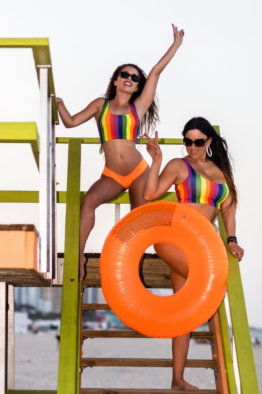 Claudia Romani, Melissa Lori Sexy & Topless (44 Photos)