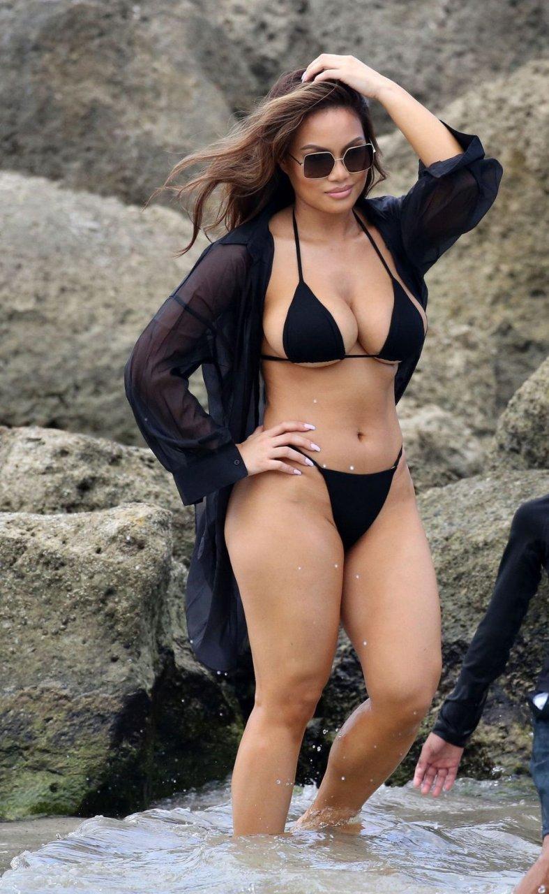 Daphne Joy Sexy (49 Photos)