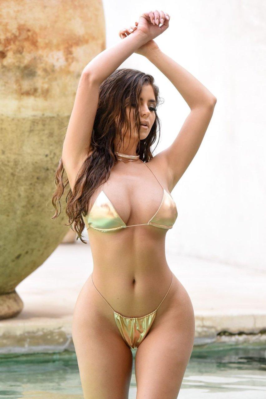 Demi Rose (11 Sexy Photos)