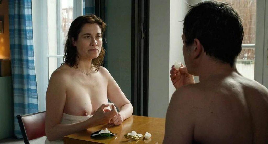 Emmanuelle Devos Nude – Arrête ou je continue (4 Pics + GIF & Video)