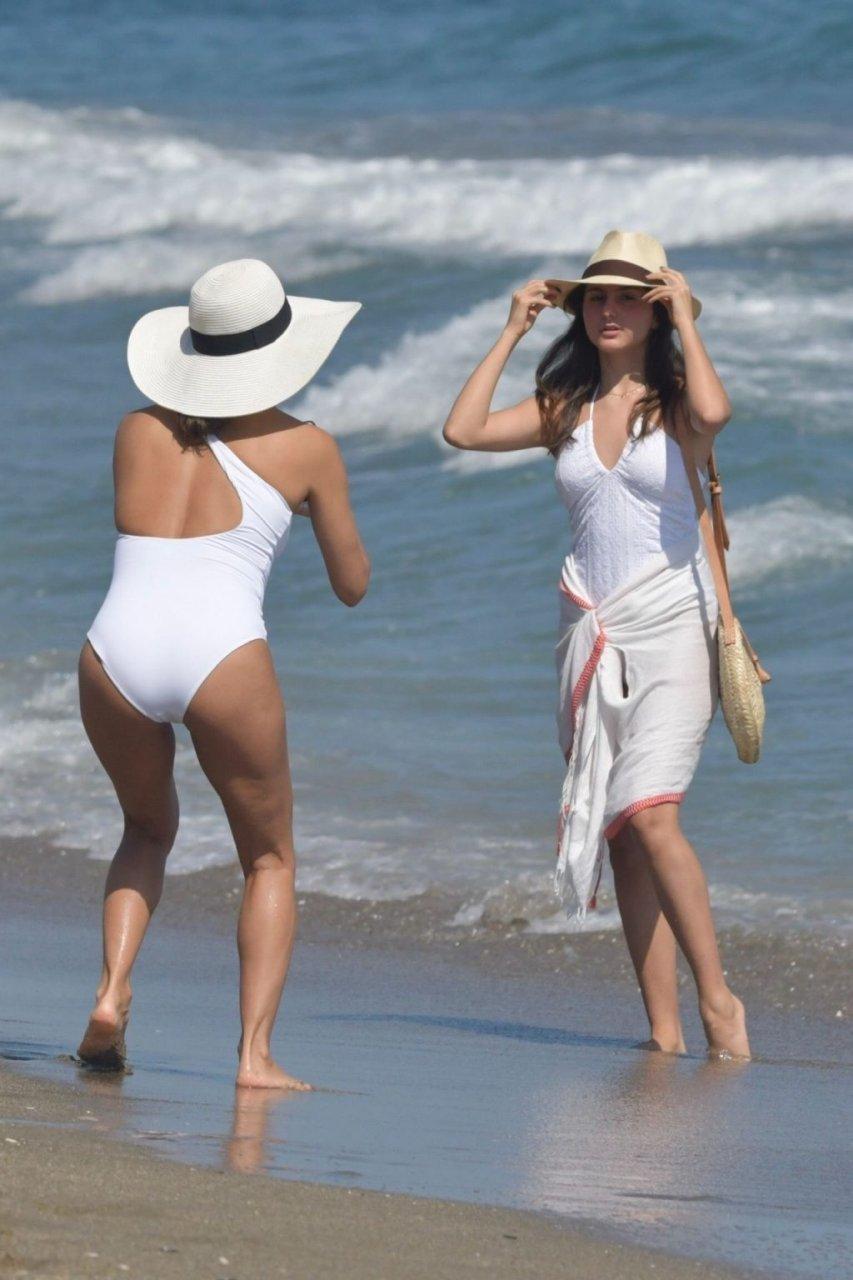 Eva Longoria Sexy (25 Photos)