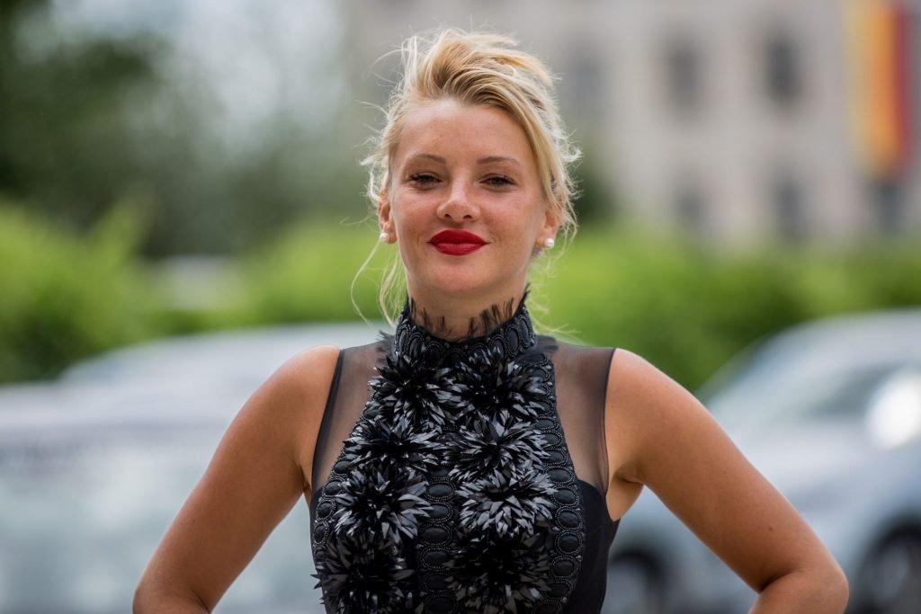Evelyn Burdecki Sexy (17 Photos)
