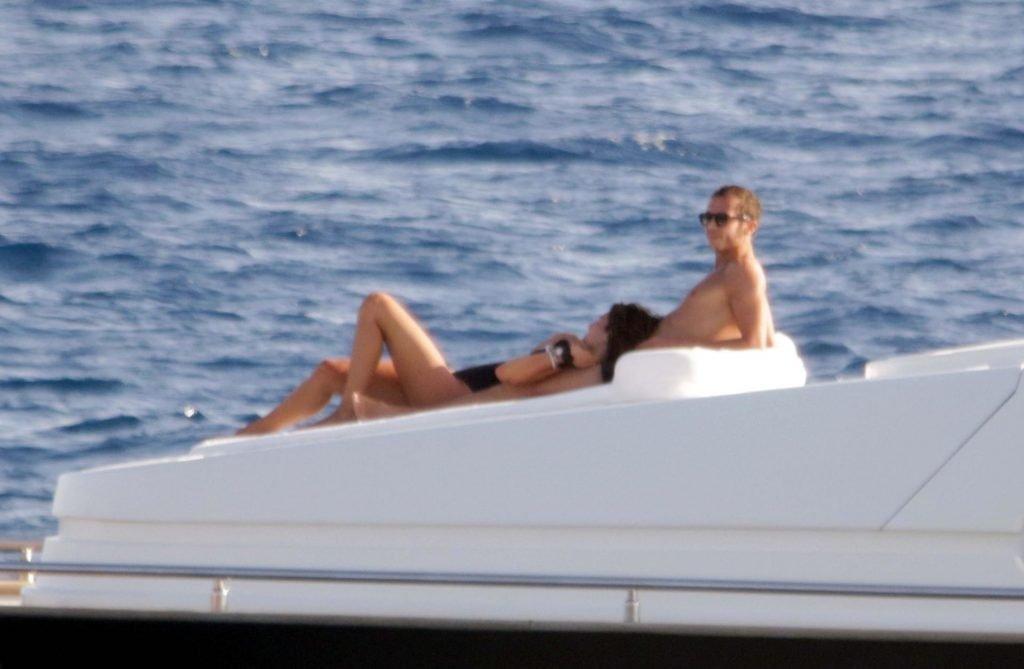 Francesca Sofia Novello Topless & Sexy (30 Photos)