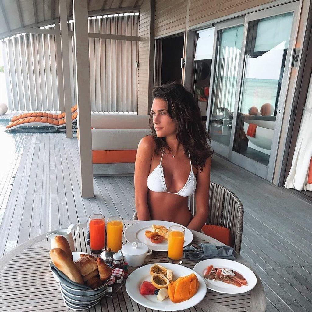 Francesca Sofia Novello Sexy & Topless (56 Photos)