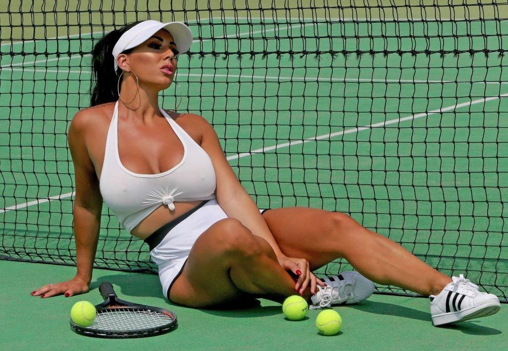 Grace J Teal Sexy (5 Photos)