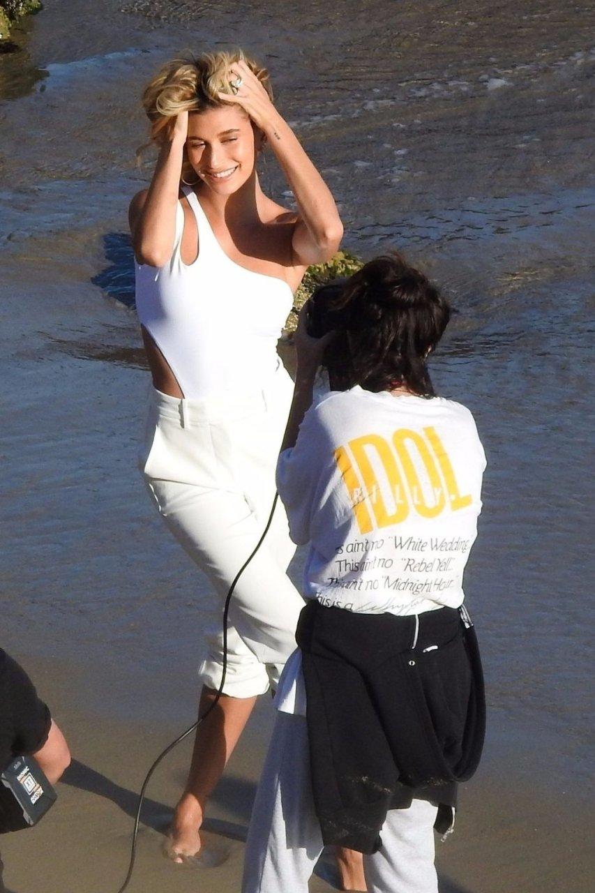 Hailey Bieber Sexy (157 Photos)