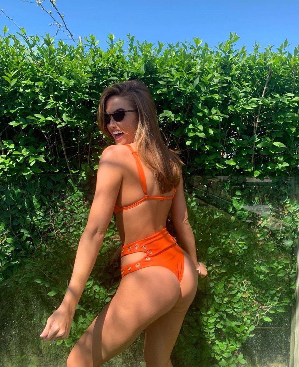 Haley Kalil Sexy (13 Photos)