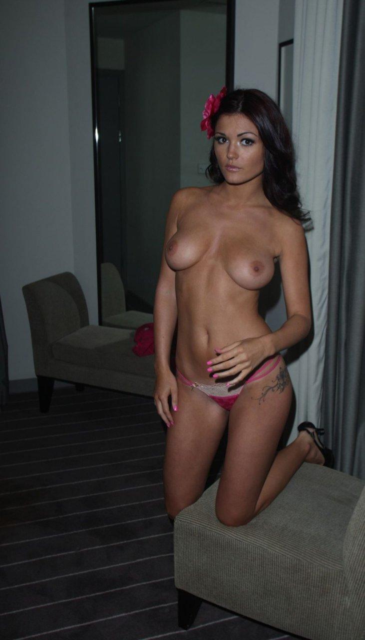 India Reynolds Nude & Sexy (54 Photos)